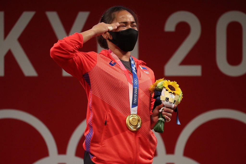 Weightlifter Hidilyn Diaz Wins Philippines' First-Ever Olympic Gold